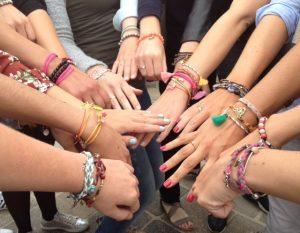 hippe workshops ibiza armbanden vriendinnen uitje